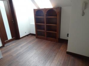 Ukryte drzwi w regale bibliotecznym na zamówienie