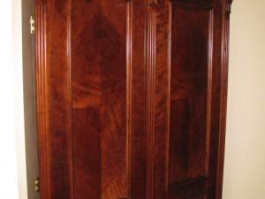 Zabudowa garderoby drzwi stylowe orzechowe na wymiar